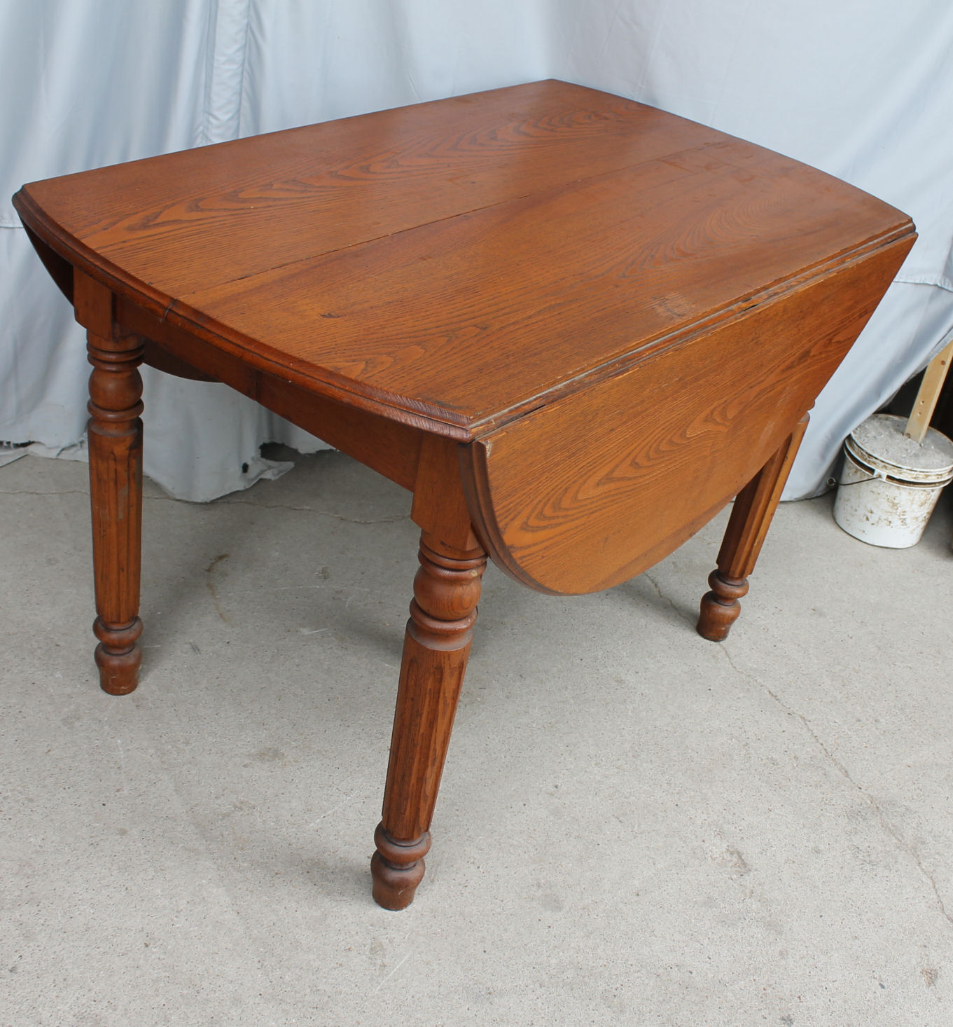 Bargain John\'s Antiques | Antique Drop leaf Kitchen Table ...