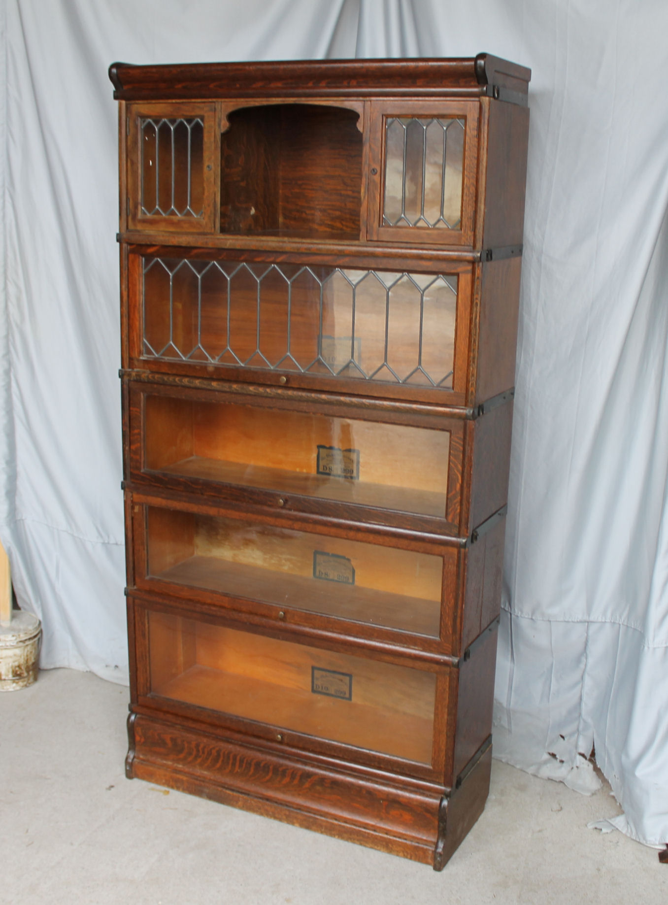 ... Oak Bookcase – with small leaded glass doors – Globe Wernicke. Sold - Bargain John's Antiques Rare Oak Bookcase - With Small Leaded