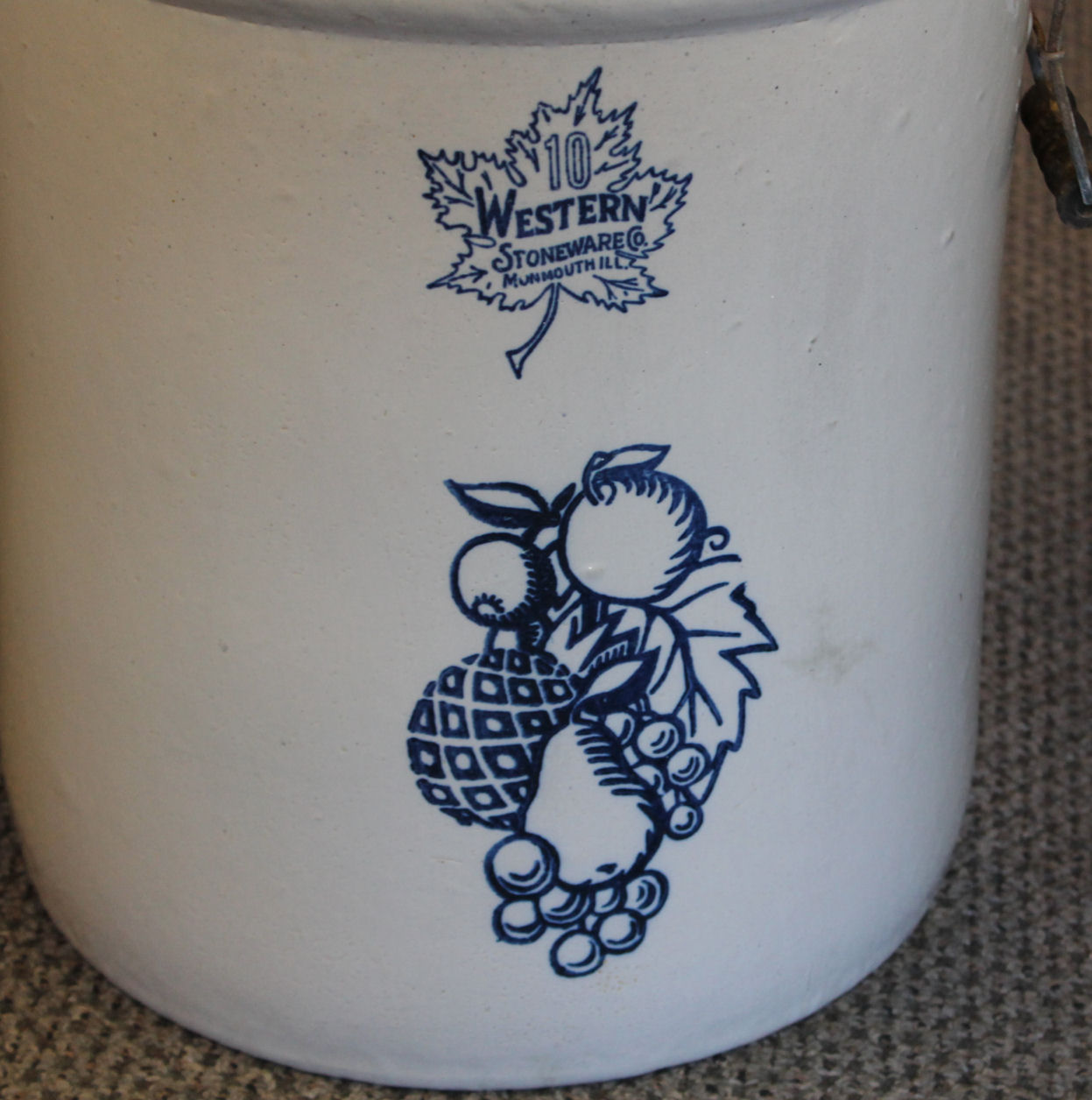 Bargain John S Antiques 10 Gallon Western Crock With